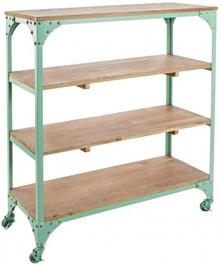 Stylowy regał na kółkach GUS pochodzący z najnowszego katalogu Bizzotto.<br />Regał w kolorze zielonym posiada cztery półki.<br...