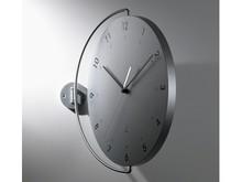 Włoski zegar ścienny zaprojektowany przez Pino Montalti.<br />Wykonany z drewna i stali, które polakierowano nietoksycznymi farbami. Zegar...
