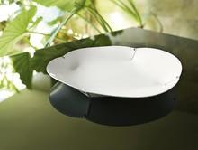 """Talerz skórzany """"CONSUELO"""" (włoski) jest wyjątkowo elegancki. Dzięki temu idealnie prezentuje się w nowoczesnie urządzonych wnętrzach. W..."""