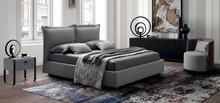 Tapicerowane nowoczesne łóżko catlin z poduchami do sypialni hoteu