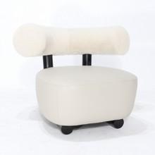 Fotel z lakierowanym stelażem DOTOLE