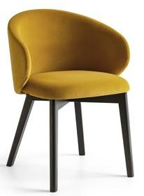 Fotel z drewnianą podstawą TUKA